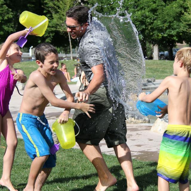 jeux-famille-eau-t-loisirs-lac-pixabay.jpg