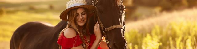 cheval-femme-coucher-soleil-freepic-diller-freepik.jpg