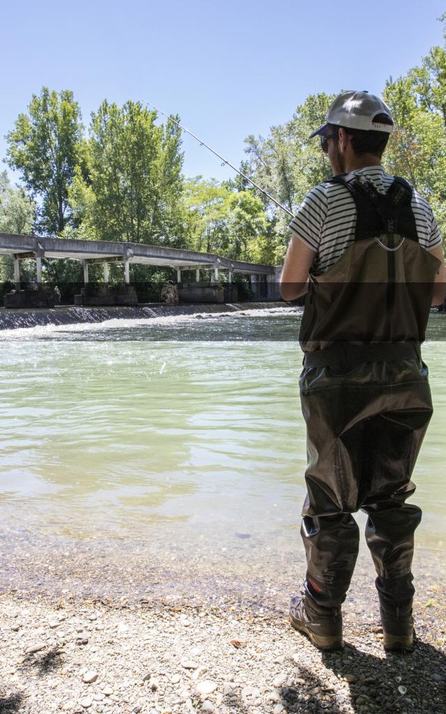 Pêcheur au bord de l'Adour