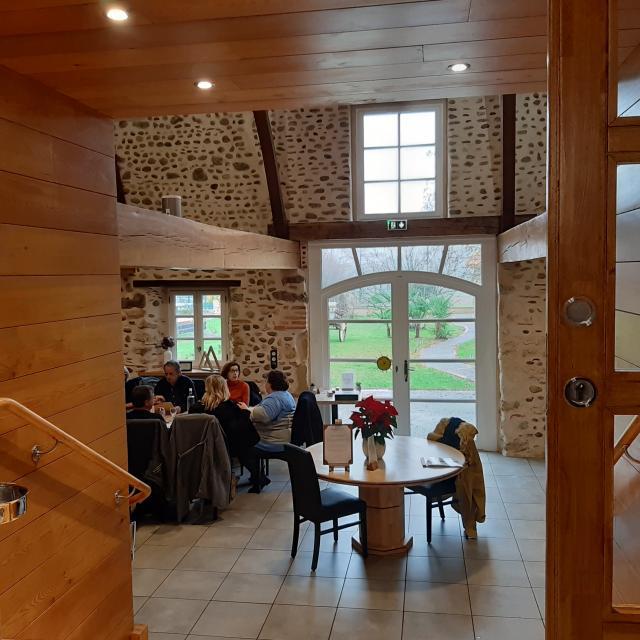restaurant-palombe-gourmande-interieur-salle-ev.jpg