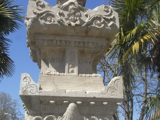 fontaine-place-verdun-2-rotated-e1631100080694.jpg