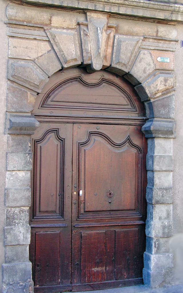 Porte ancienne, 6 Rue Basse à Mende