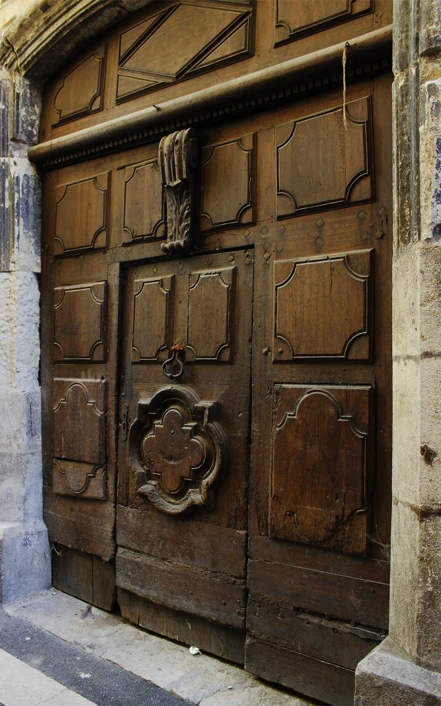 Porte ancienne, rue Léopold Monestier à Mende.