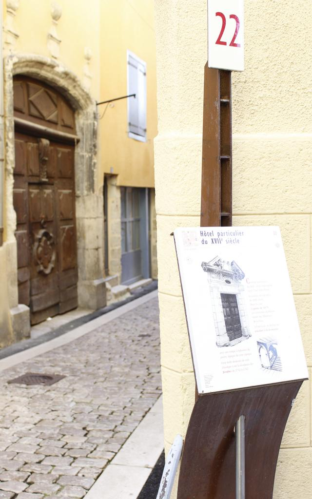 Porte rue Léopold Monestier à Mende