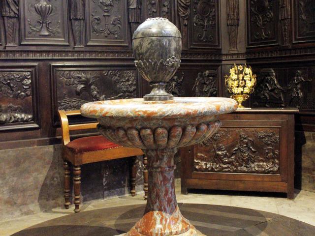 Les fonds Baptismaux de la Cathédrale de Mende