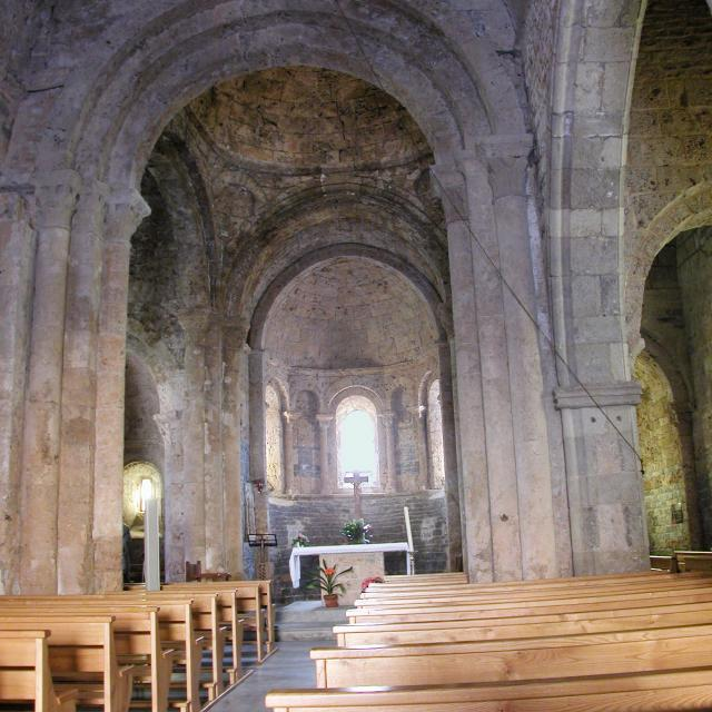 Eglise de Lanuéjols (48) - Intérieur