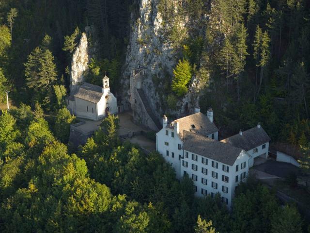 L'ermitage Saint-Privat vu du ciel