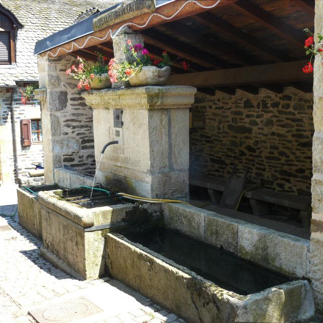 Fontaine Du Mas 1