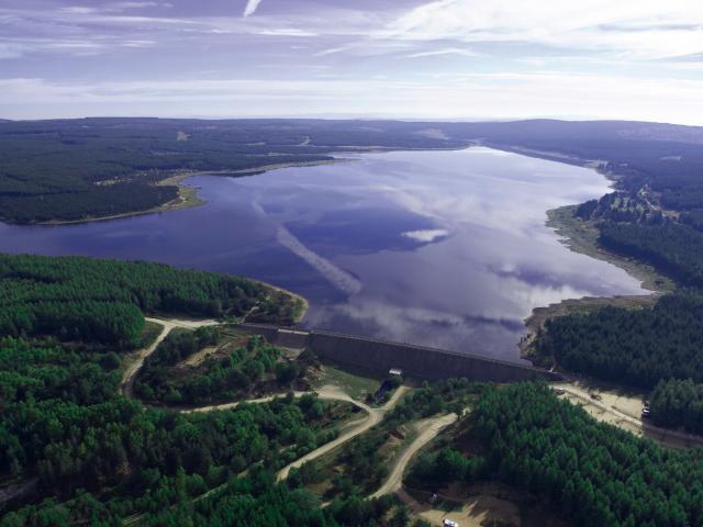 Lac de Charpal vue du ciel 1 - Margeride en Lozère