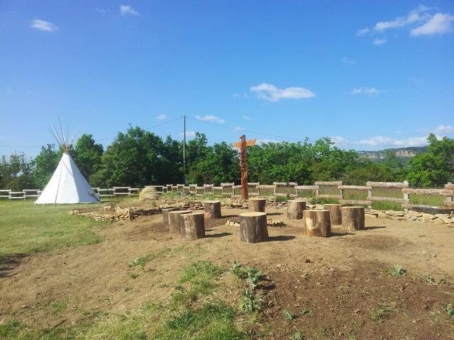 Zackary Tipi, hébergement insolite en Lozère