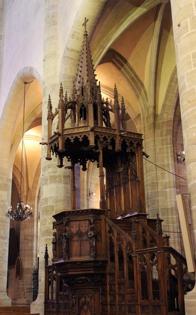 la chaire de la cathédrale de Mende
