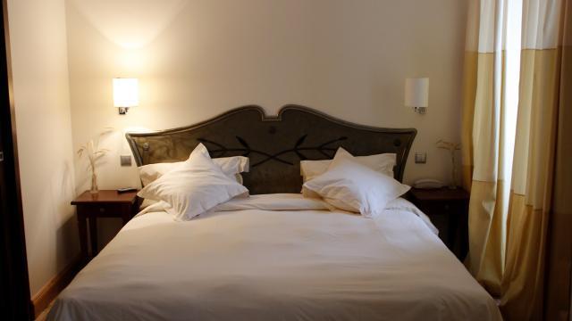 Une chambre àl'hôtel de France à Mende