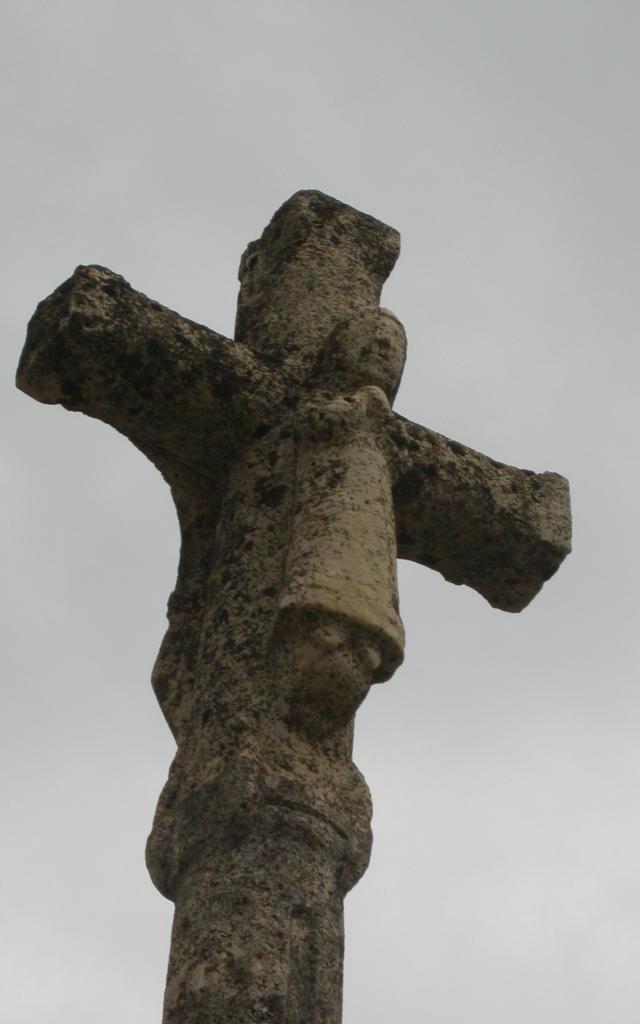 Le Born Croix De Jean Du Born Place 2