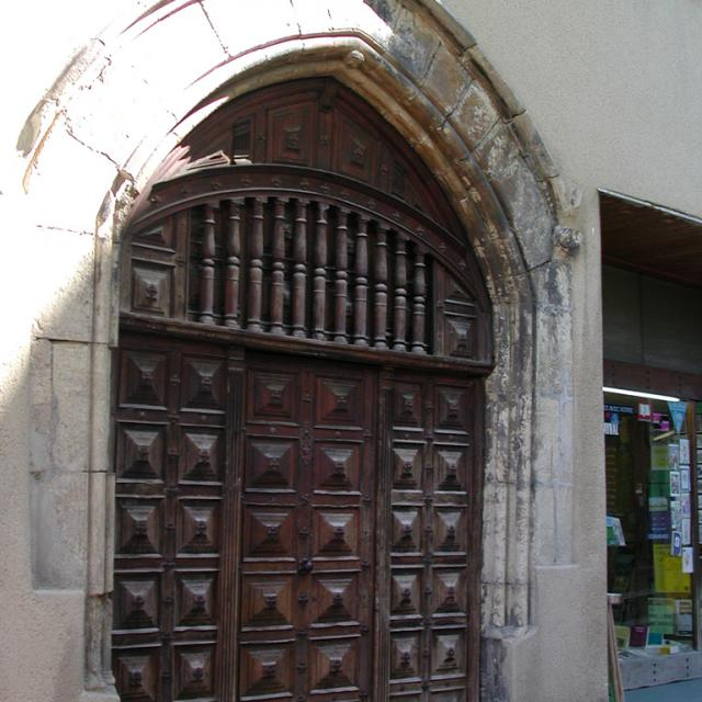 Porte rue d'Aygues Passes