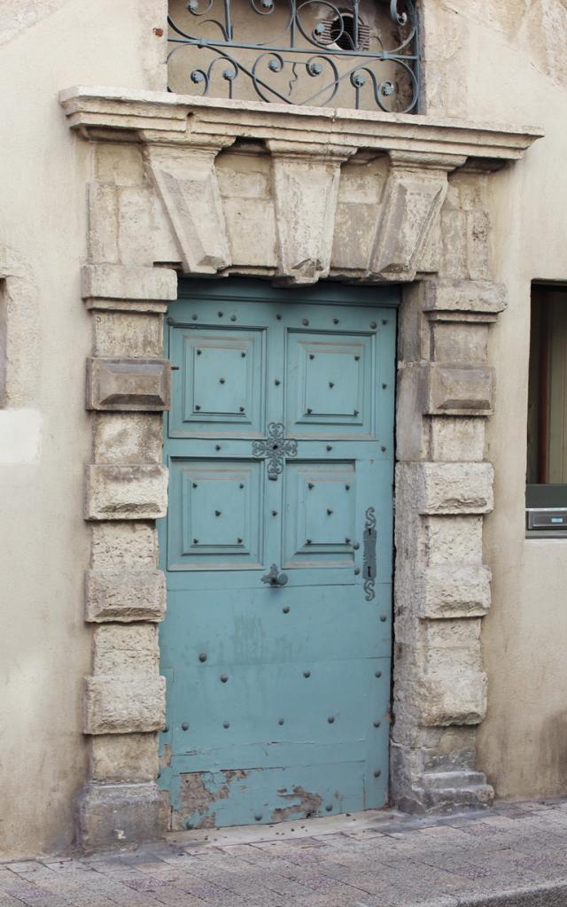 Porte rue du Soubeyrand