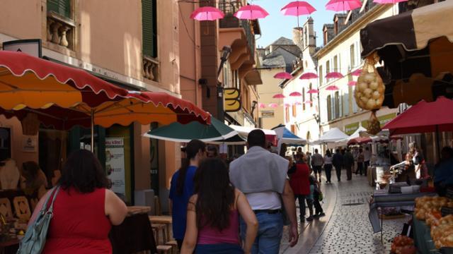 Passant Marché Toqués Rue Republique@mairie.mende