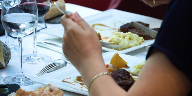 table-resto-francefanny-roustan.jpg