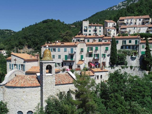 Castillon vue du village