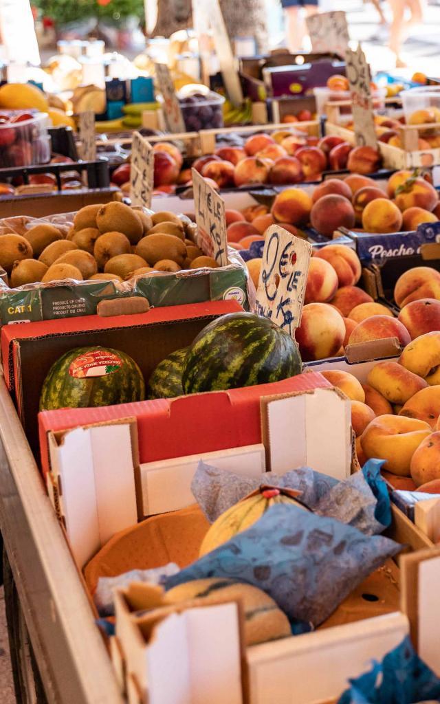 menton-marche-des-halles-fruits-legumes-pango-visual.jpg