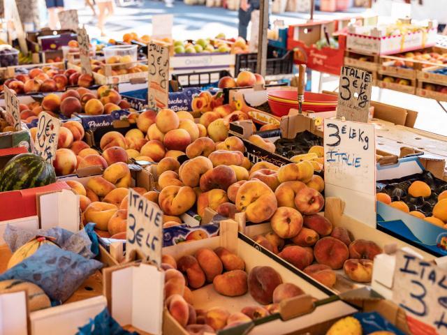 Menton Marche Des Halles Fruits Legumes