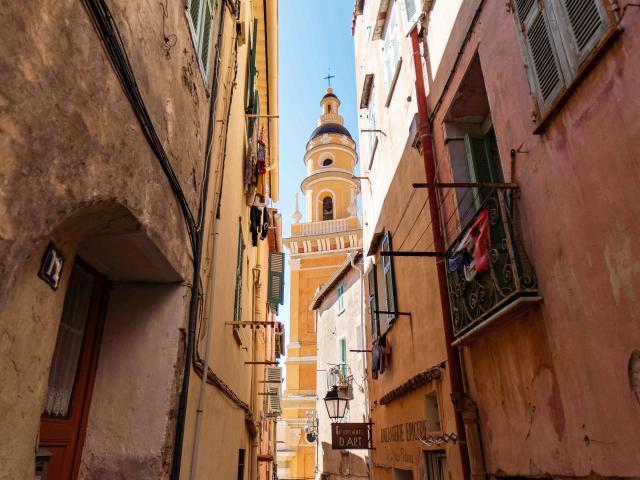 menton-vieille-ville-ruelle-pango-visual.jpg