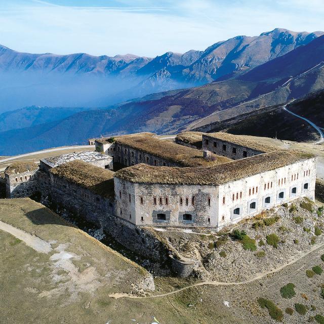 fort-centrel-a-tende-drone-de-regard.jpg