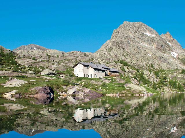 Lac Refuge Des Merveilles Parc Du Mercantour