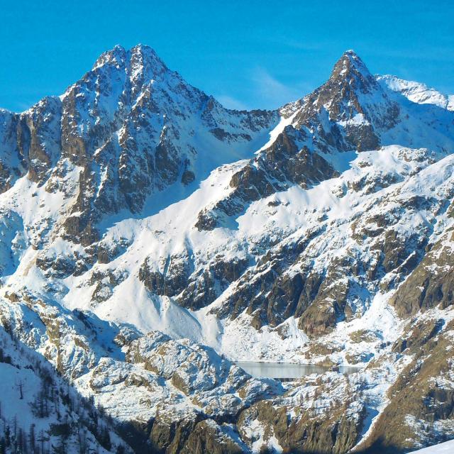 montagnes-tende-parc-national-du-mercantour-drone-de-regard.jpg