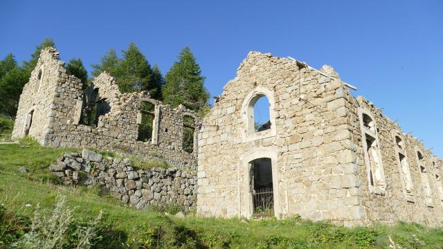 Ruines sur le Massif de l'Authion
