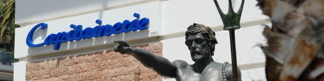 Statue Neptune Port Garavan Drone De Regard