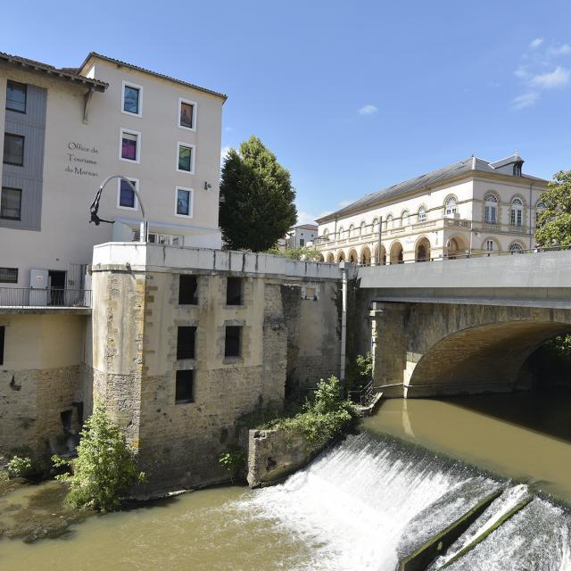 Office de Tourisme et la confluence