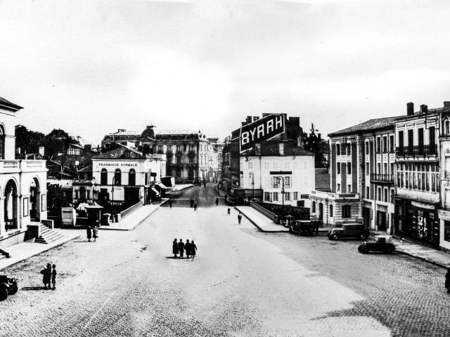 Place Charles de Gaulle à Mont de Marsan