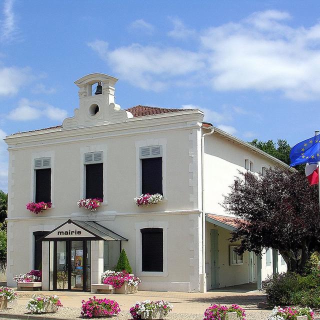 Mairie de Benquet