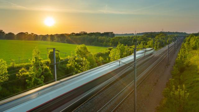 Anreise per Zug zu den Monts de Genève