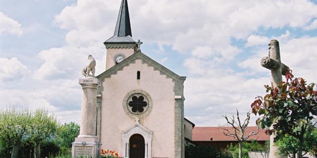 Neydens, église et borne militaire romaine