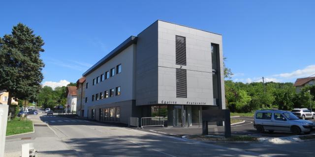 Mairie et salle des fêtes de Vers, un bâtiment à énergie positive