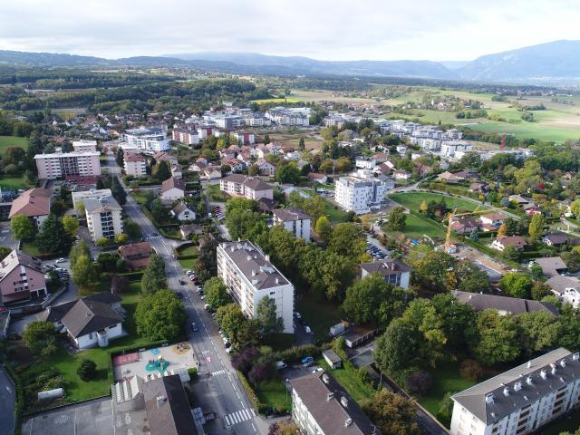 Vue aérienne de la ville de Saint-Julien-en-Genevois