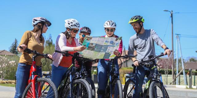 Vélo en groupe sur la Voie Verte du Grand Genève