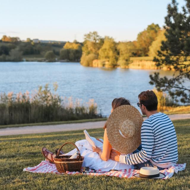 Pique nique au bord du lac de Machilly