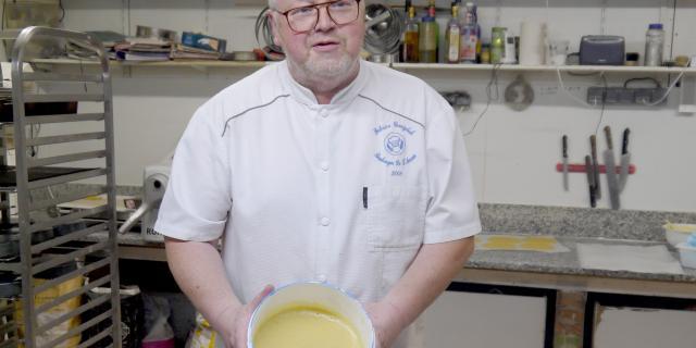 Préparation du Gâteau Lorrain