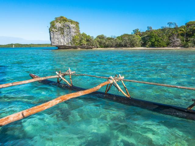 Baie d'Upi - île des pins - Pirogue