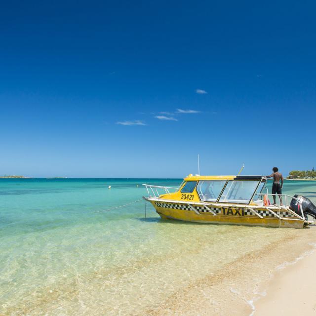 Taxi boat - Nouméa