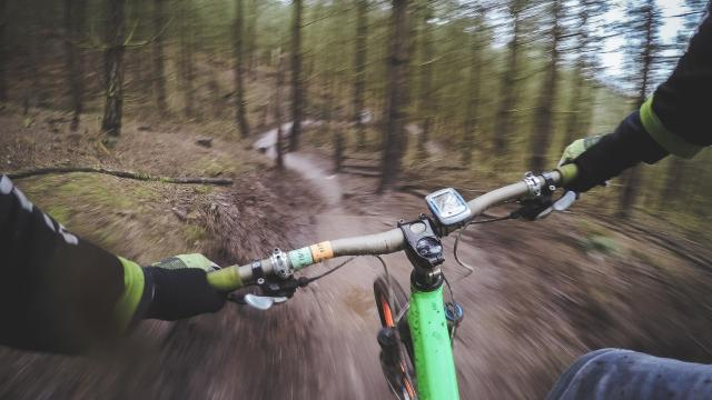 mountain-biking-1210066-1920-1.jpg