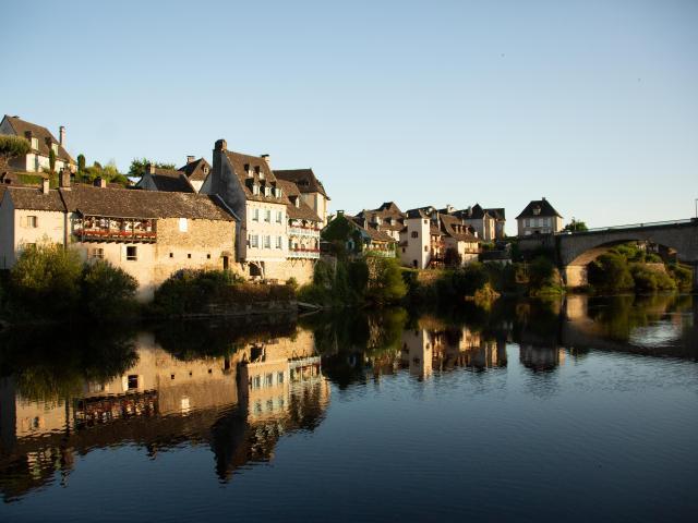 Quais Riviere Dordogne Argentat©malikaturin 00009