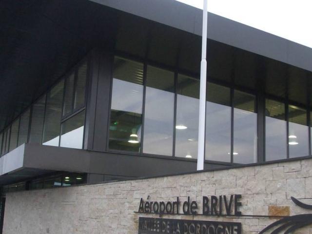 20100911 Aerogare De Laeroport De Brive Vallee De La Dordogne