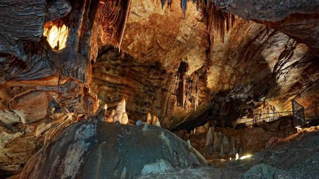 Les Grottes De Lacave 0