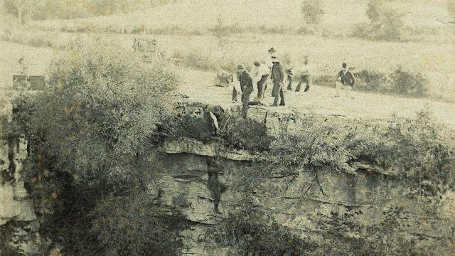 Descente dans le Gouffre (1890)