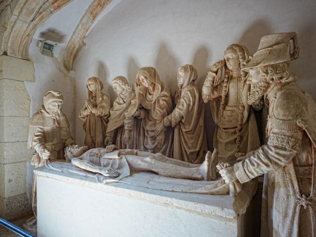 Mise au tombeau - salle capitulaire du cloitre de Carennac