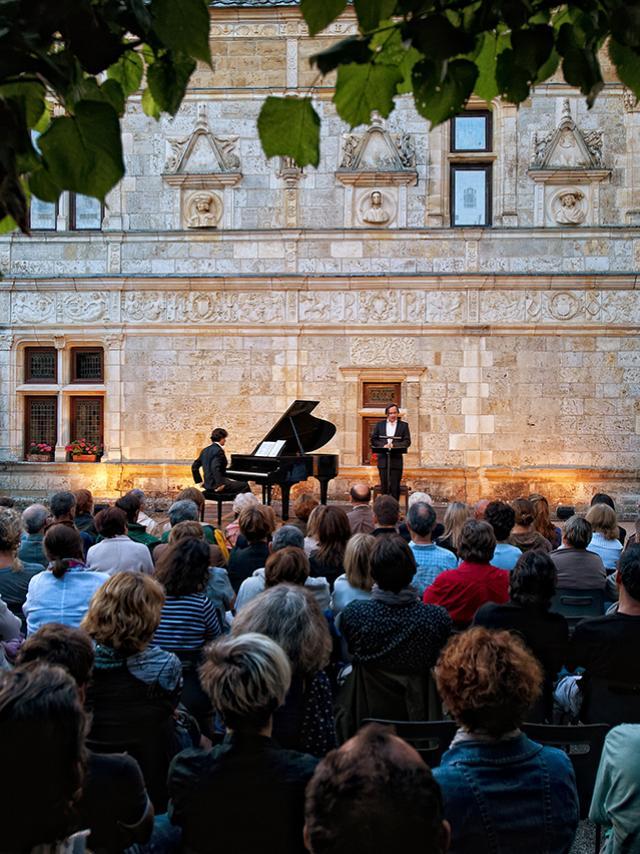 Chateau de Montal Melodrames par Michel Fau musique Liszt et Wagner