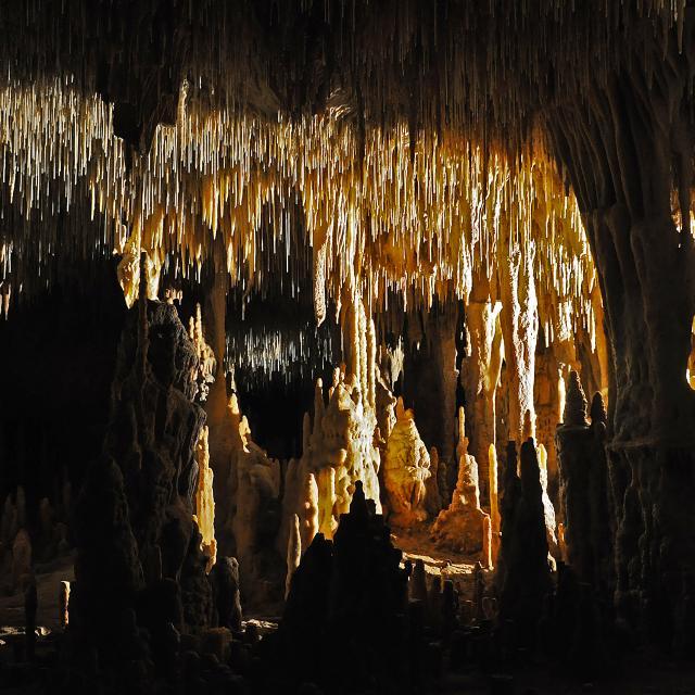 Grottes De Cougnac Gourdon Magnifique Salle.jpg